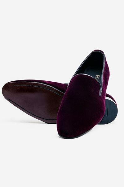 Footprint - 	Maroon Casual Velvet Pumps